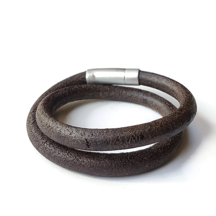 heren armband donker bruin rond - handgemaakte sieraden webshop